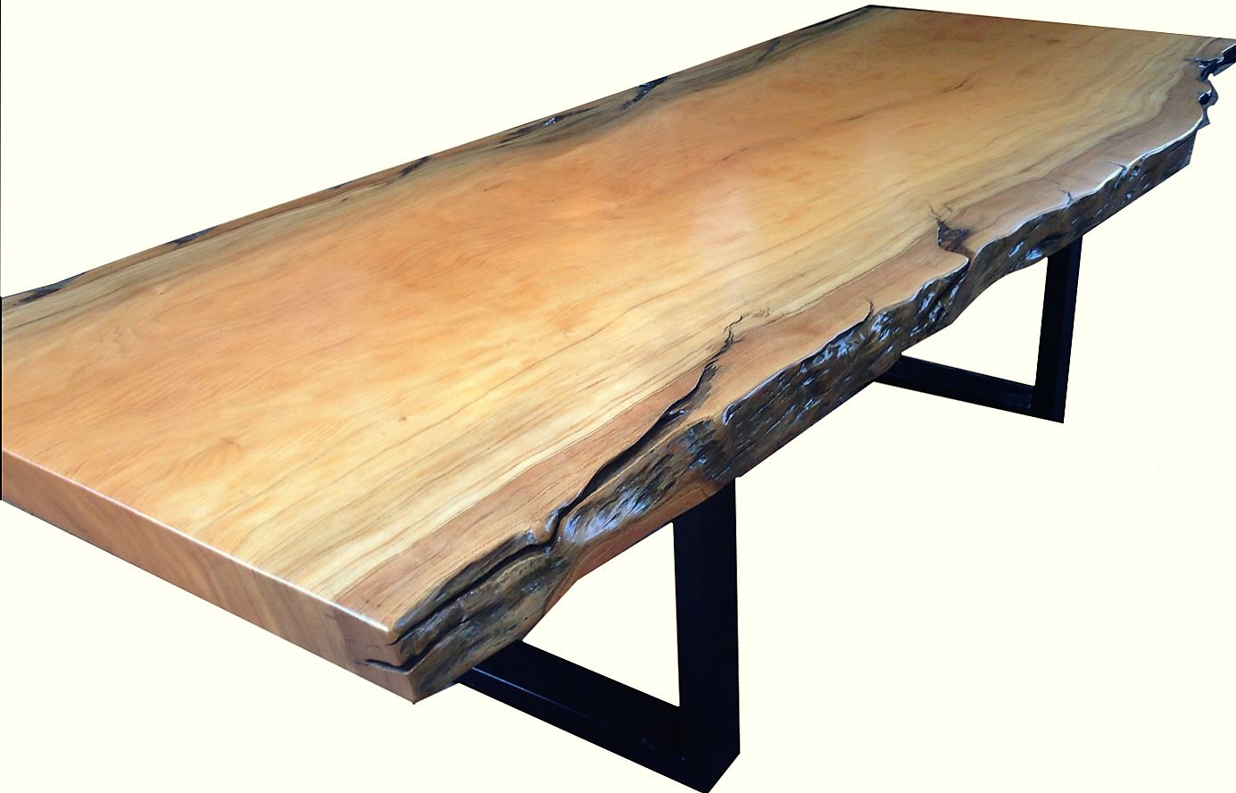 Natural edged wood dining room table phases africa for Wood dining table decor