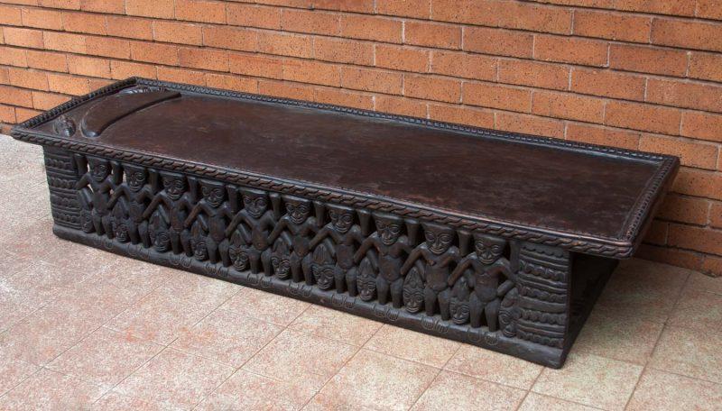African Decor Bamileke Bed